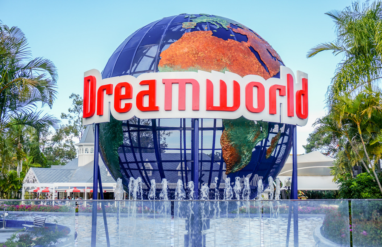 dream world The four victims of australia's dreamworld theme park accident in 2016 died  almost instantly after being thrown from a ride, a court has heard.