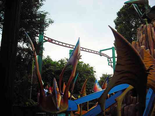 More Canopy Flyer Photos & Canopy Flyer | roller coaster at Universal Studios Singapore ...
